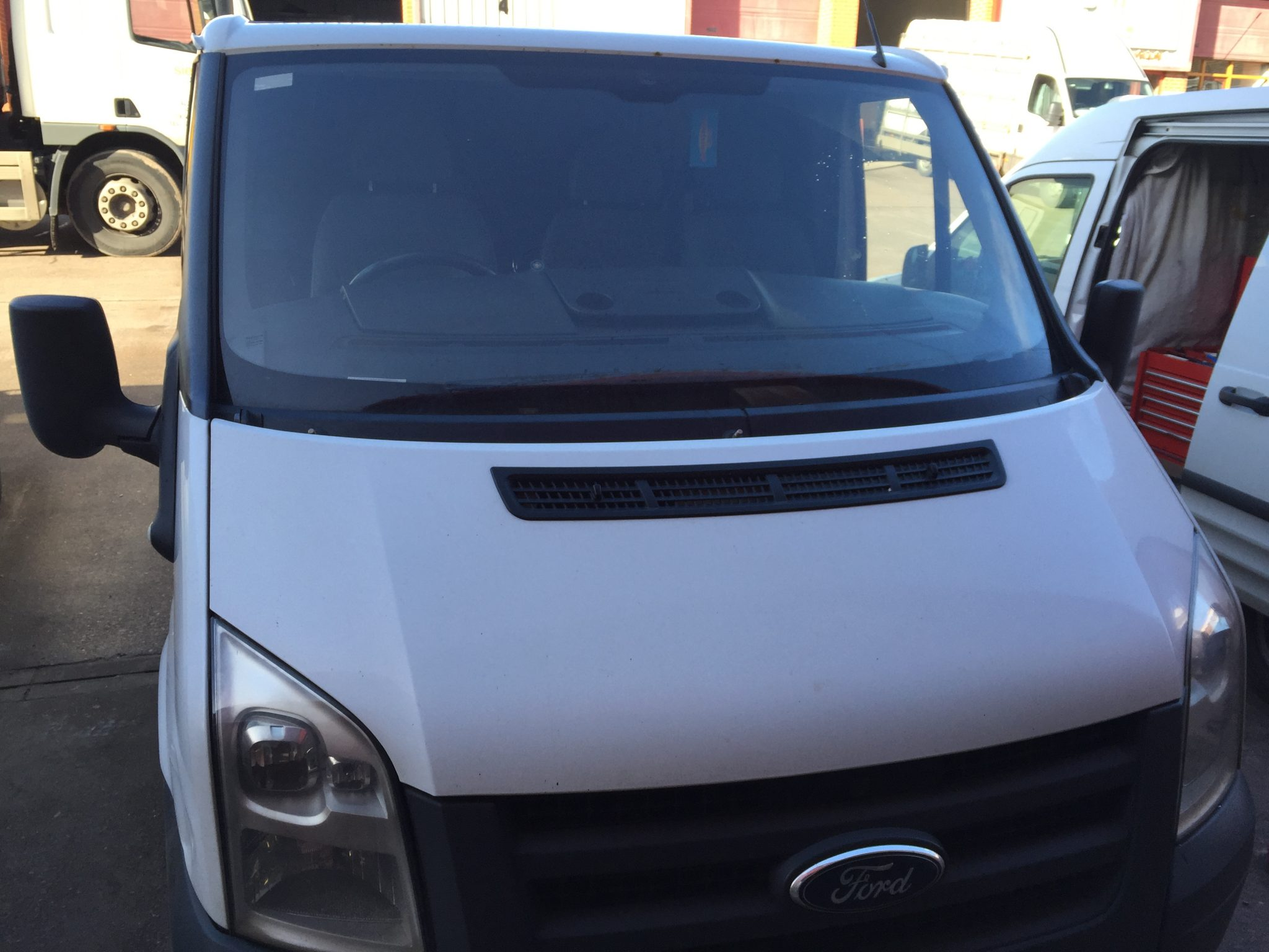 ford transit windscreen