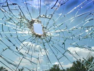 Cracked Windscreen, Replacement Windscreens for Car and Vans